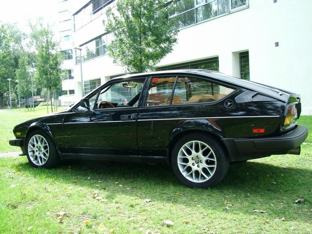 Alfa Romeo GTV6 3.0 Science Park Budapest 2004